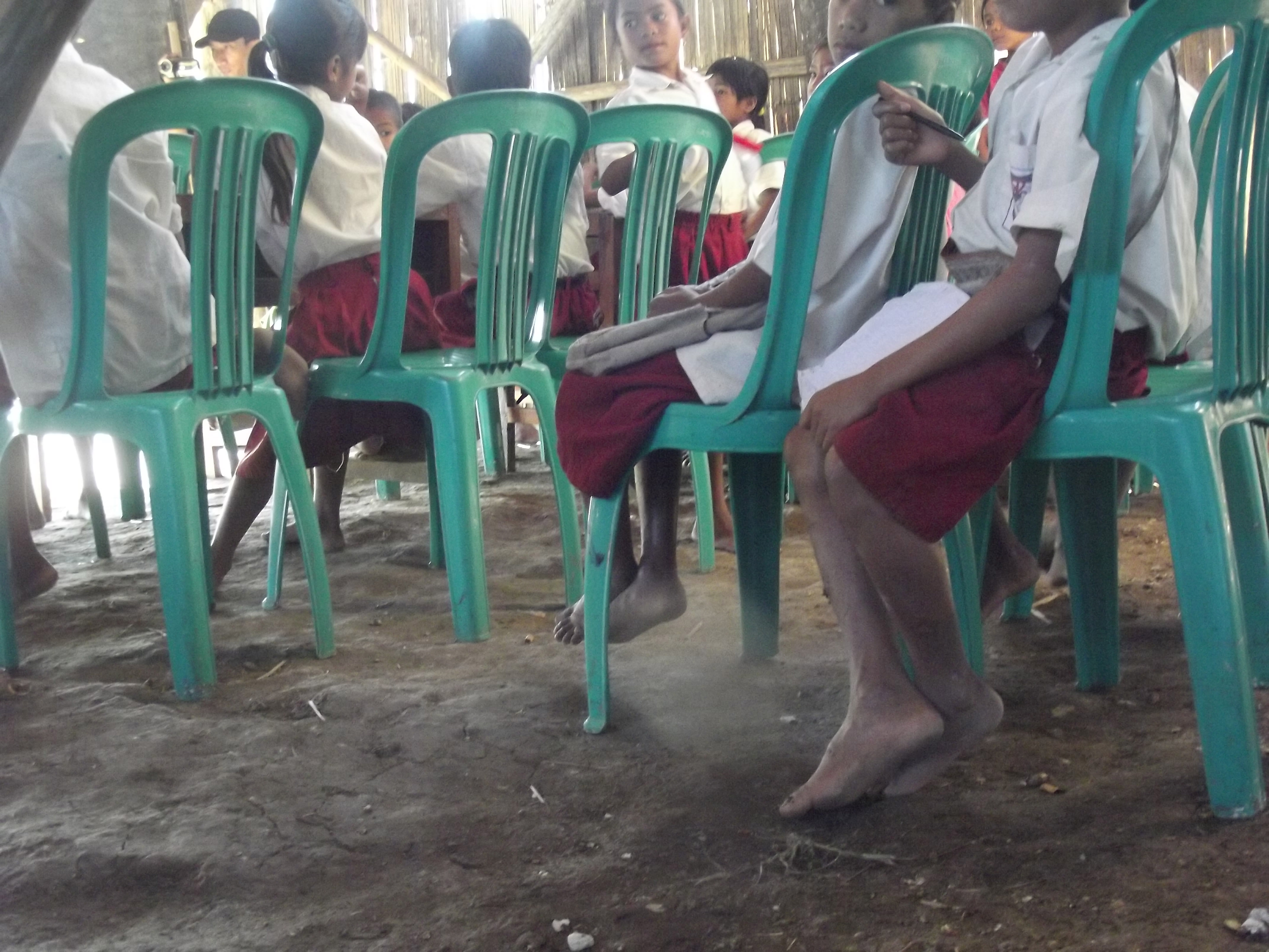 Program-Kami-Bersepatu-ke-Sekolah